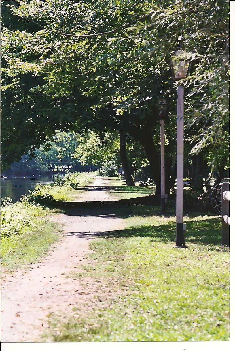 Canal towpath 001